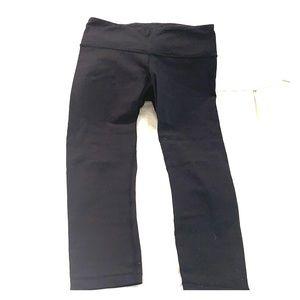 Lululemon cropped wunder under pants - size 4
